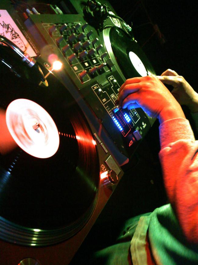 vinyl turntables