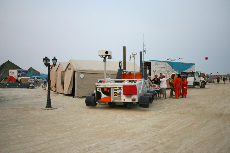 Mars rover team visits for dinner